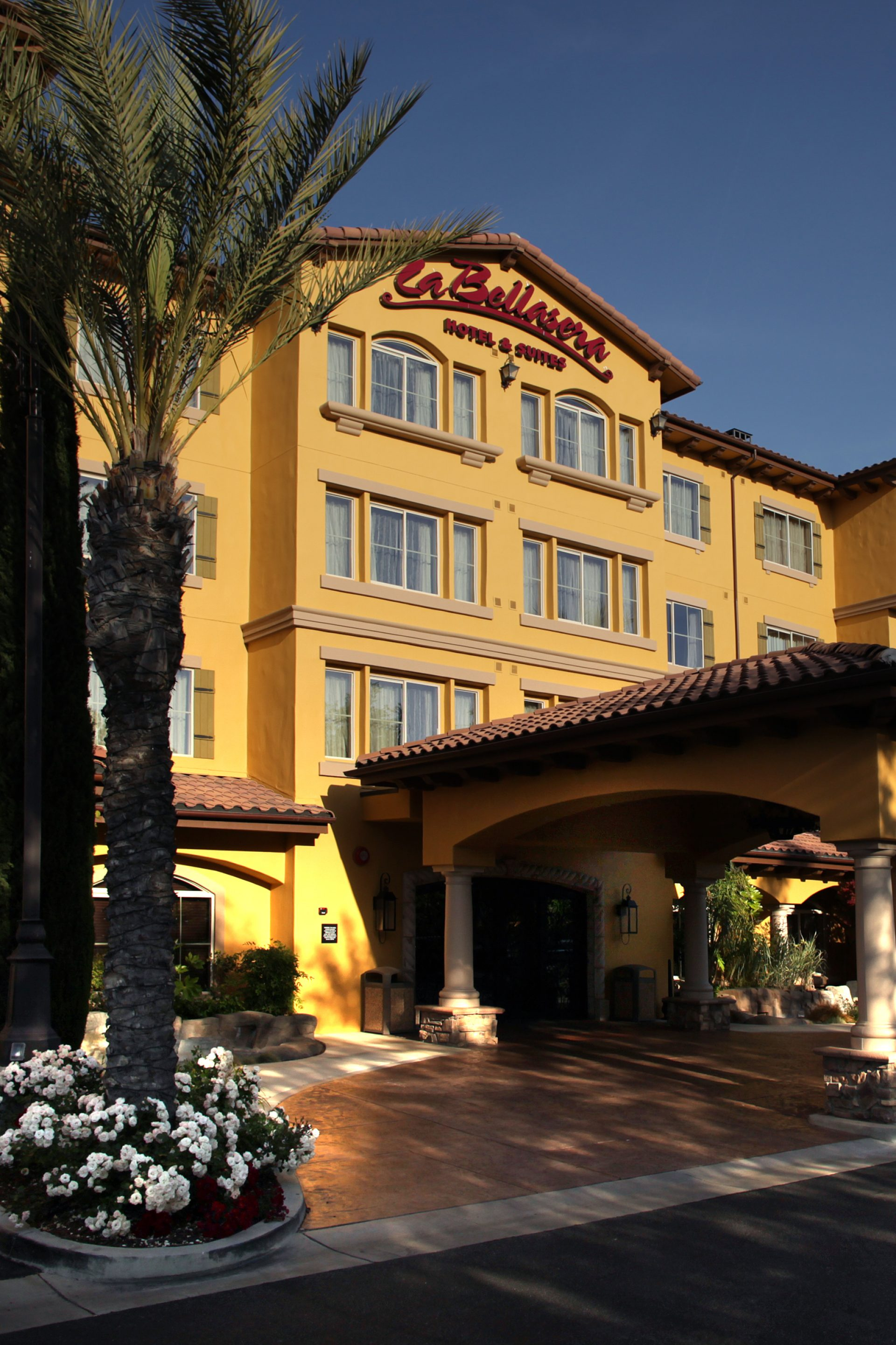 La Bellasera Hotel & Suites Entrance in Paso Robles