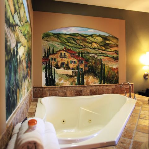 Suite whirlpool tub